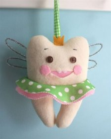 Molly's Sketchbook: Tooth Fairy Bags - Knitting Crochet Sewing
