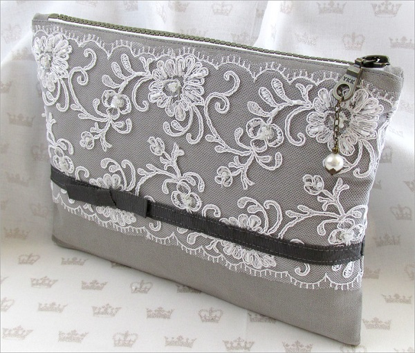 Tutorial: Beautiful lace overlay clutch purse